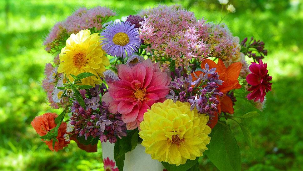 Собираем летний букет цветов